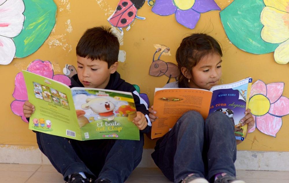 fundacion-oportunidad-niños-leyendo